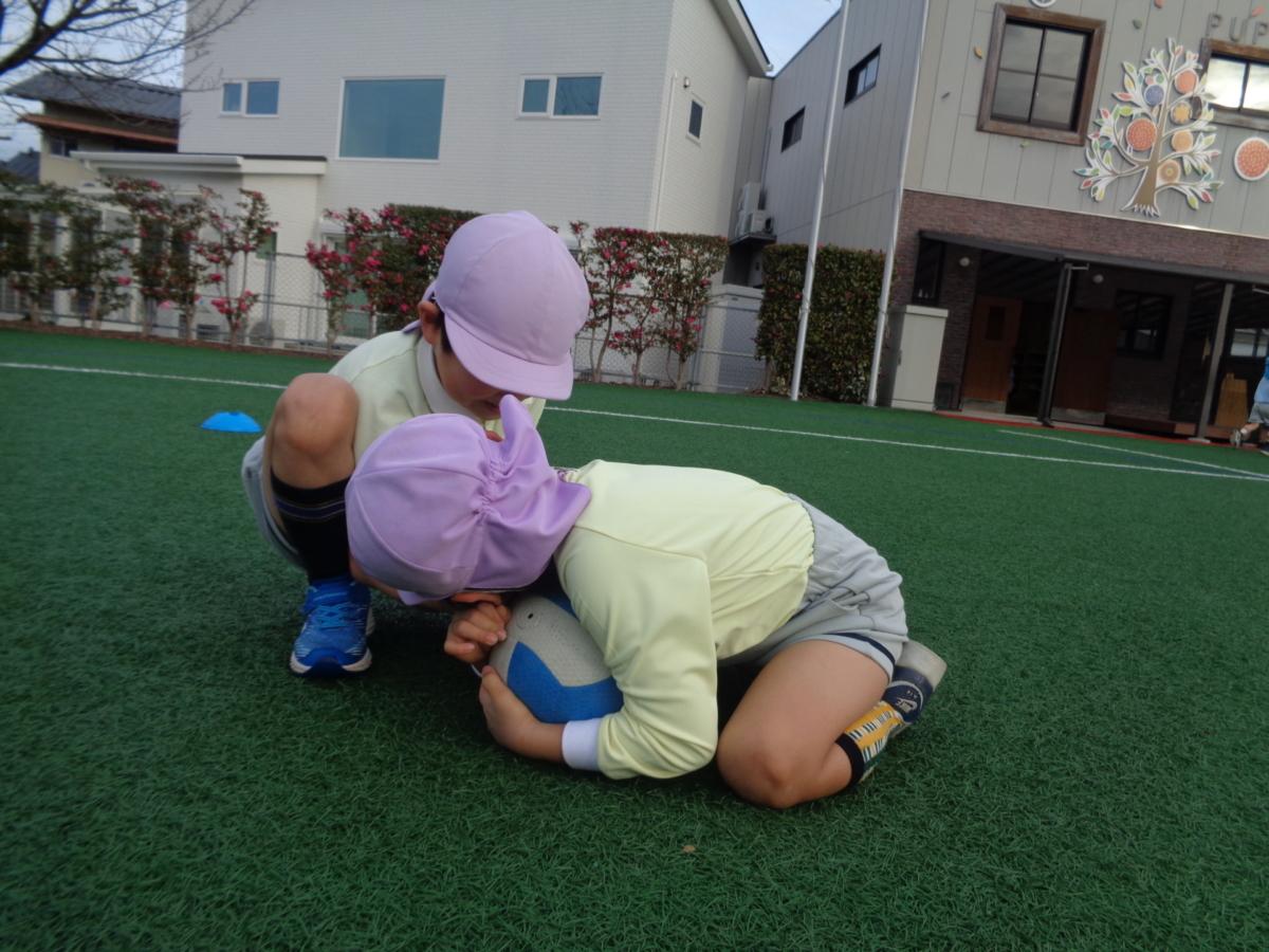 自由遊びの子ども達☆(佐藤)